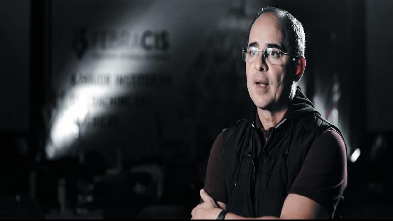 Clique e assista nosso filme para Paulo Vieira